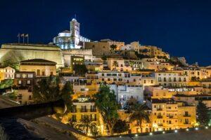 ibiza-stad-hotels-bezienswaardigheden-wat-doen