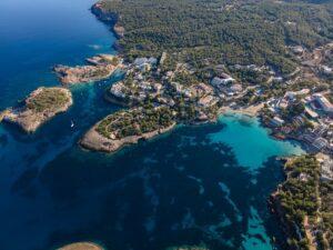 portinatx-ibiza-dorp-strand-hotels-bezienswaardigheden