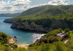 cala-d-en-serra-waar mooi-snorkelen-ibiza