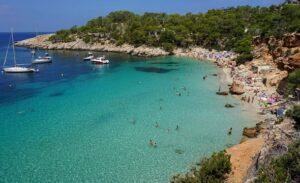cala-salada-mooie-stranden-ibiza-overzicht