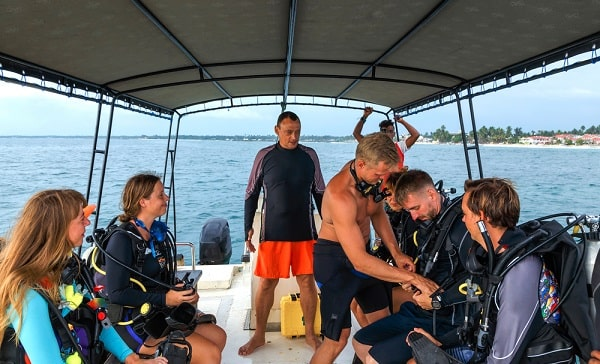 duiken-ibiza-duikschool-waar-excursie-les