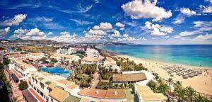 playa-d-en-bossa-plaats-ibiza-vakantie-boeken