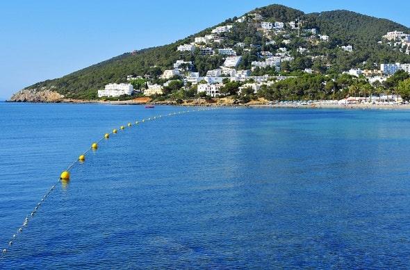 santa-eulalia-ibiza-strand-hotel-vakantie