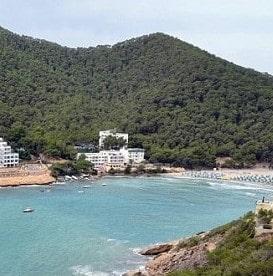 cala-llonga-ibiza-vakantie